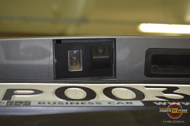 Установка мультимедийного центра Intro на LandRover Freelander 2010