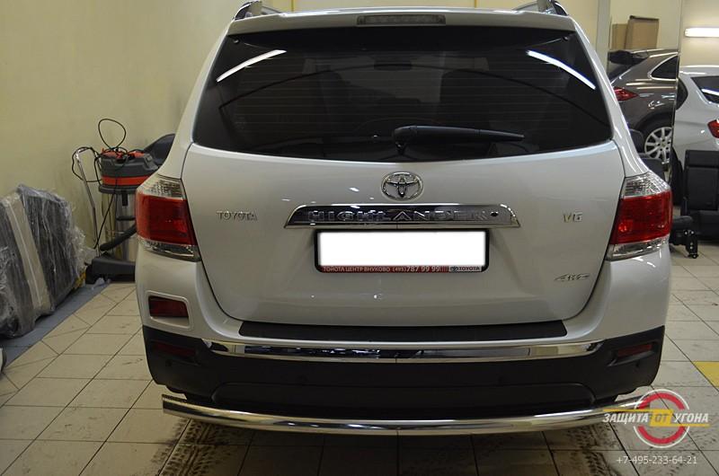 Металлический обвес на Toyota Highlander