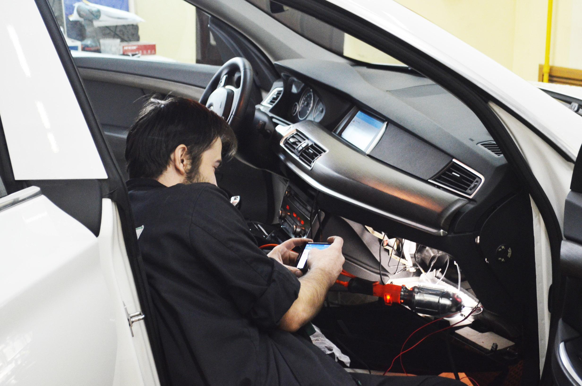 Установка Mirror link на BMW GT