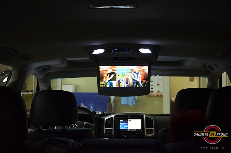 Потолочный монитор XM12 на Toyota LC200