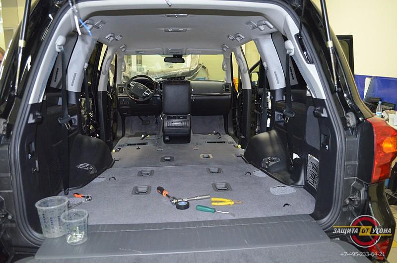 Полная шумоизоляция Toyota LC 200 + жидкая шумоизоляция Прим