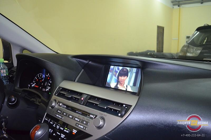 Мониторы в подголовники Alpine,цифровое тв, подогрев задних сидений и громкая связь Parrot на Lexus RX350