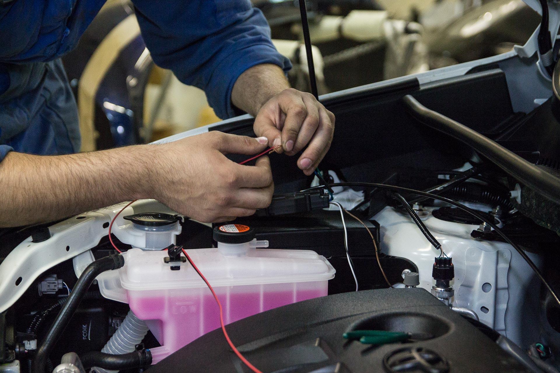 Установка сигнализации Pandora 3910 на Toyota RAV4