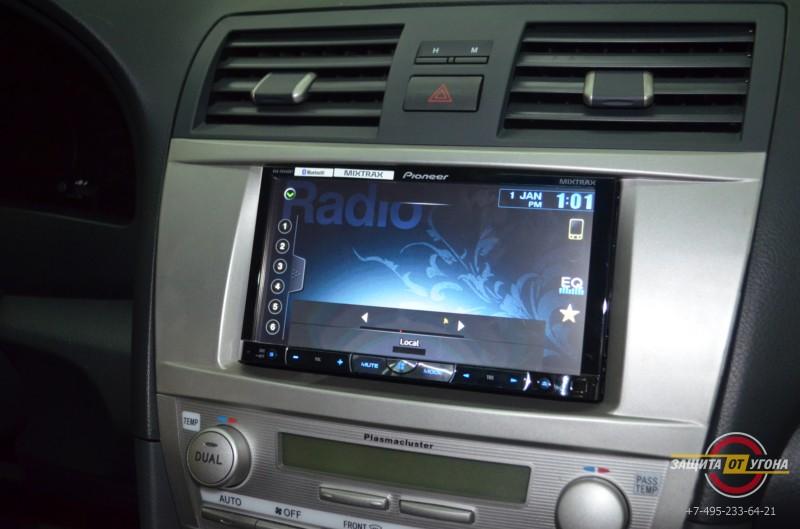 Головное устройство Pioneer на Toyota Camry V40