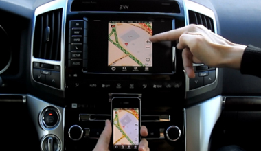 Iphone и Android на штатный монитор