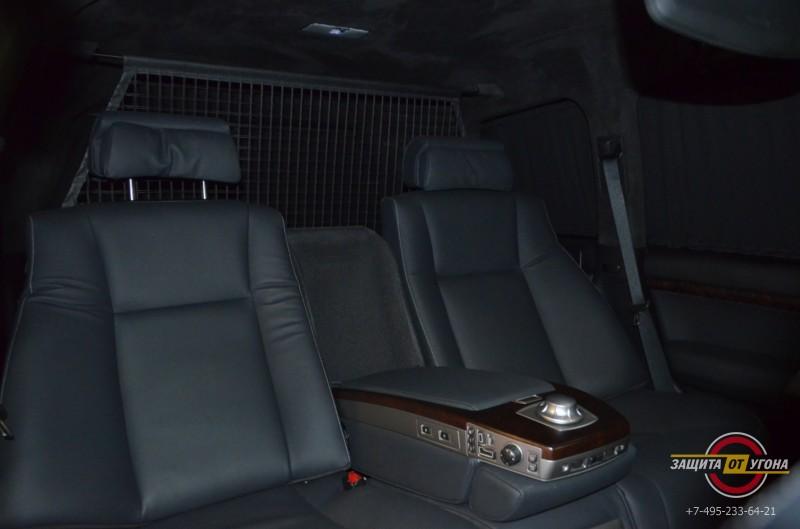 Сиденья от BMW на Toyota LC200