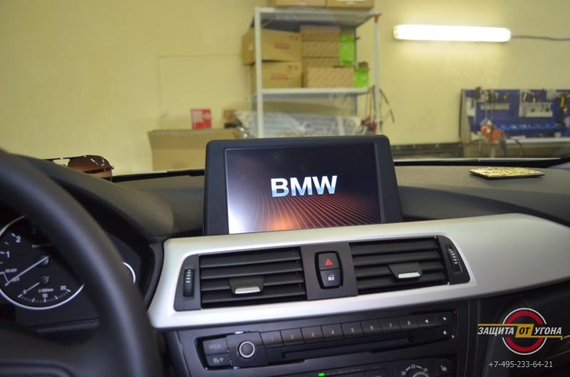 Установкапереднего монитора с навигацией 8 дюймов на BMW F30