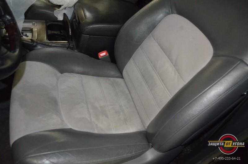 Вставки из Алькантары на Toyota LC200
