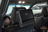 Мониторы для задних пассажиров и магнитола Phantom на Toyota LC120