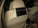 Мониторы для задних пассажиров на BMW X6