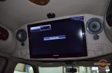ЖК телевизор Samsung в Chevrolet Express