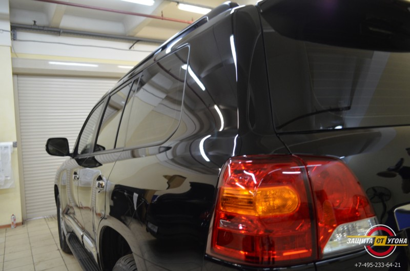 Обработка кузова составом Ceramic Pro на Toyota LC200