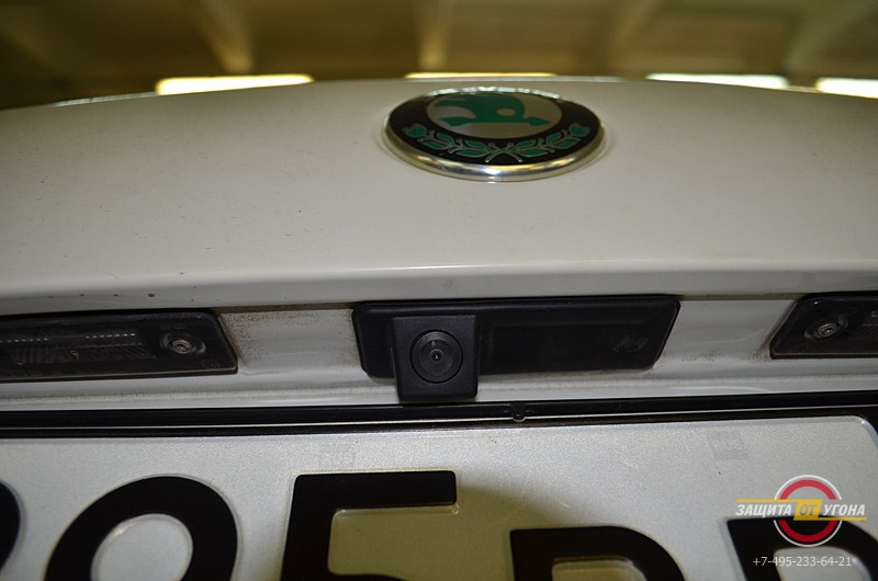 Установка головного устройства Phantom на Scoda Octavia 2012