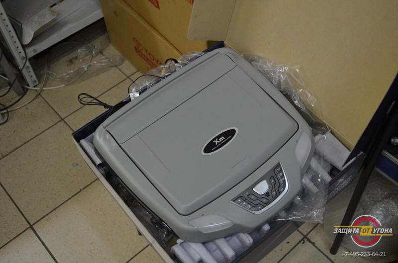 Потолочный монитор XM12 и цифровое тв на Infiniti QX56