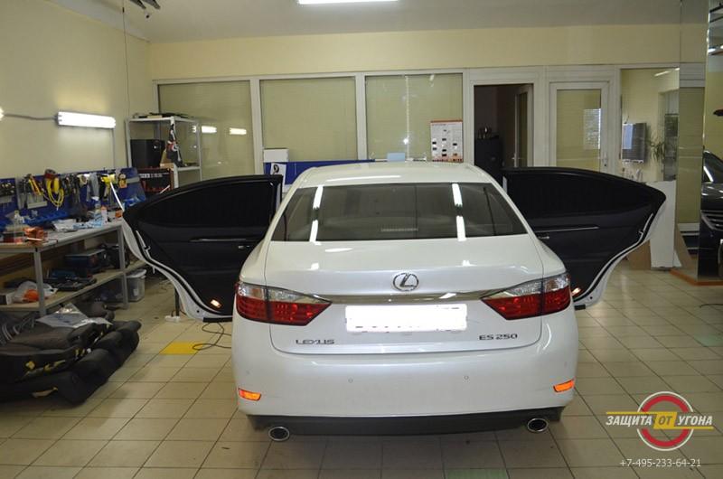Полный комплект шторок на Lexus ES