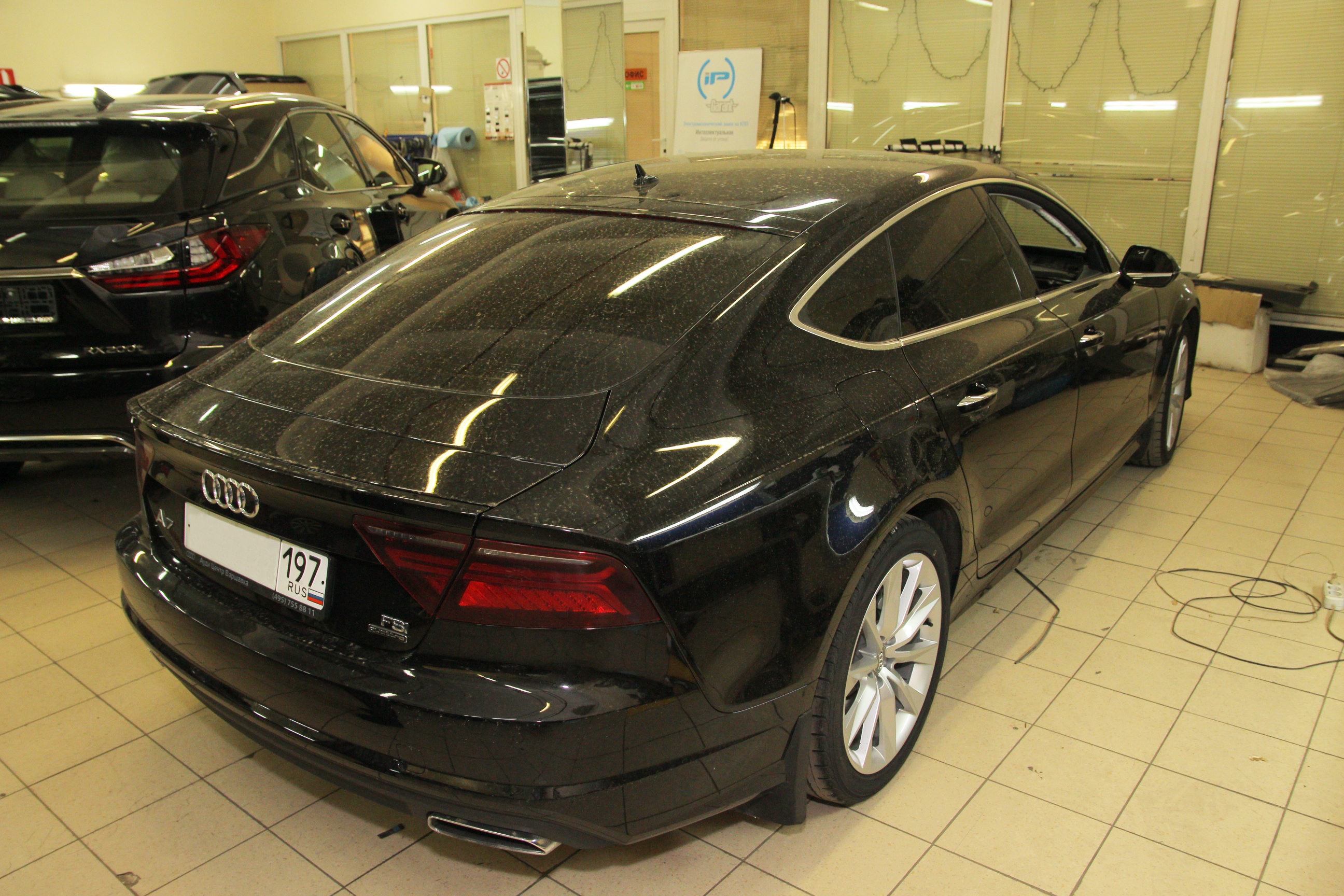 Перетяжка передней части салона Audi A7