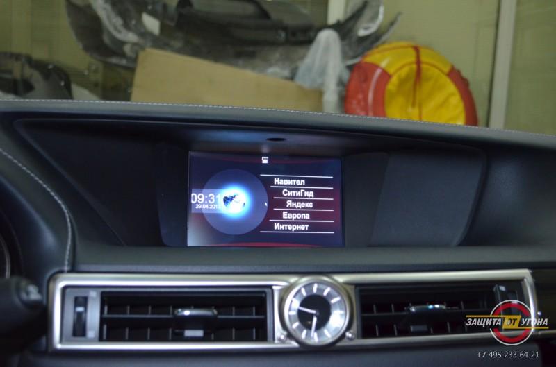 ТВ и нави с пробками на Lexus GS250 2012