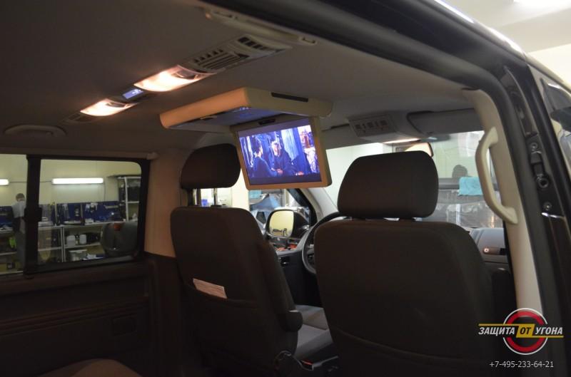 Установка потолочного монитора XM15 на VW Caravelle