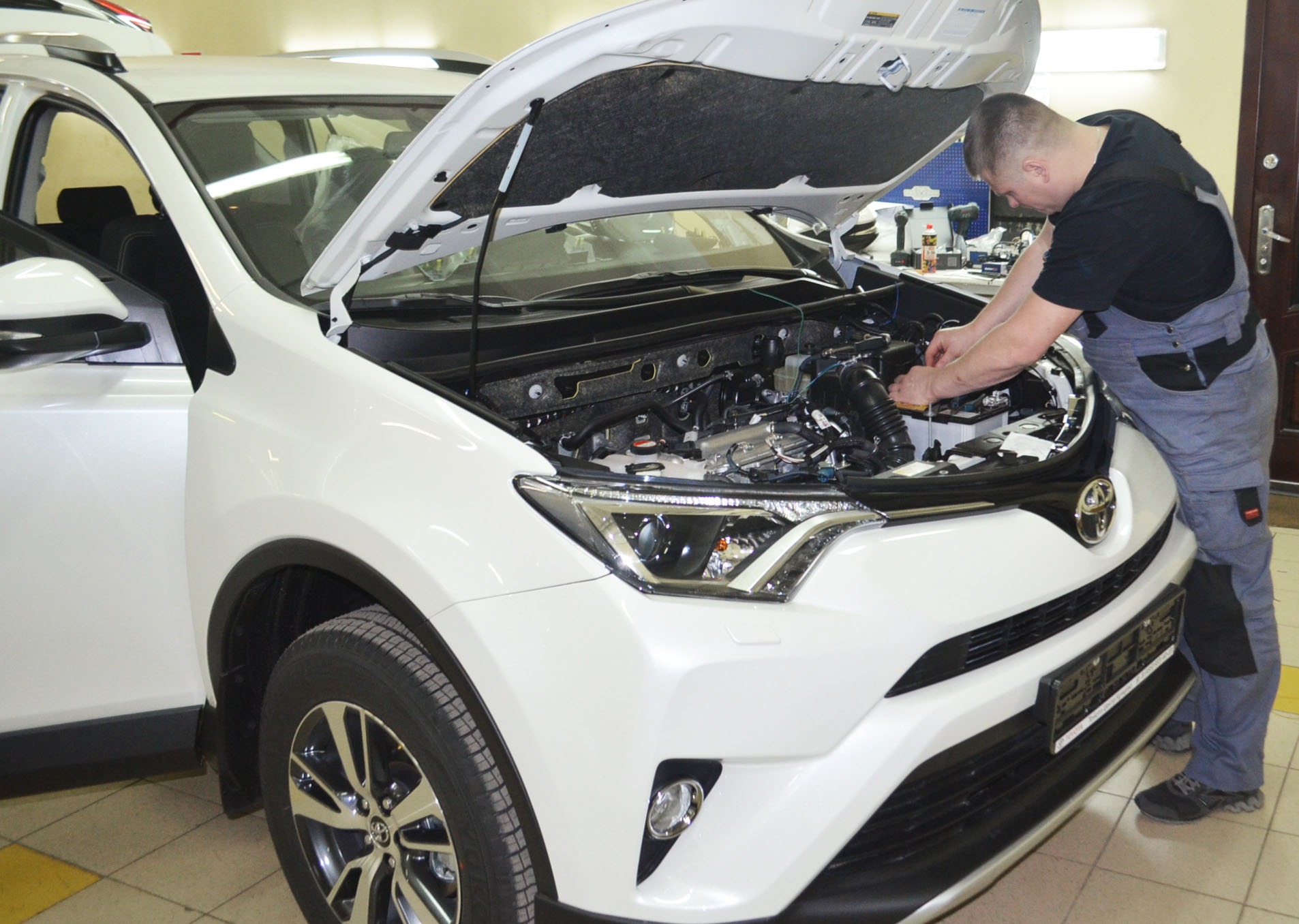 Реализация автозапуска на Toyota Rav 4
