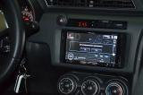 Мультимедийное устройство Pioneer и информационные шкалы приборов на Scion